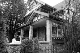 3 46290 Yale Road East Stonehurst Manor 1909
